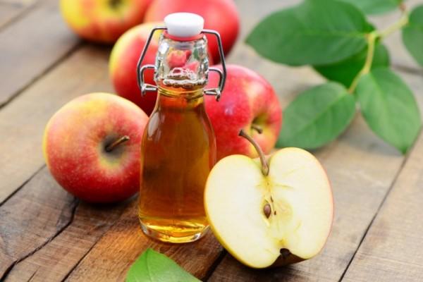 Cách chữa bệnh lậu đơn giản nhất bằng tinh dầu cây trà, giấm táo