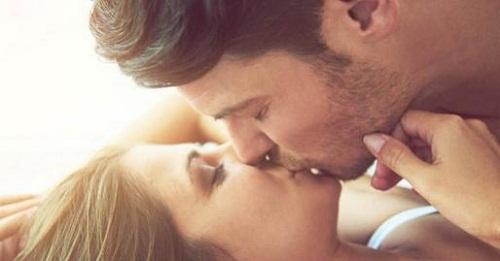 giang mai có lây nhiễm khi hôn nhau không?